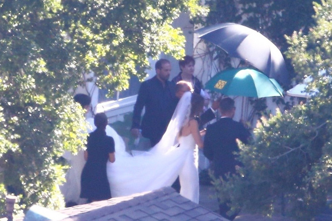 Đám cưới siêu hot kiểu gia tộc quyền lực nhất nước Mỹ: Ái nữ Kẻ huỷ diệt chính thức thành vợ tài tử Avengers - Hình 3