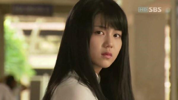 Kim Ok Bin: Từ nữ hoàng cảnh nóng đến tiểu tam hoàn lương trong Niên Sử Kí Arthdal - Hình 4