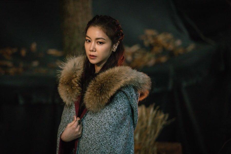 Kim Ok Bin: Từ nữ hoàng cảnh nóng đến tiểu tam hoàn lương trong Niên Sử Kí Arthdal - Hình 14