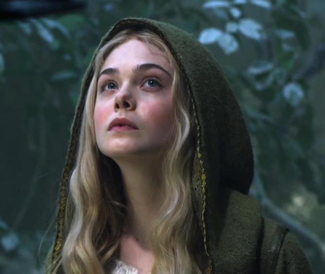 Nhan sắc 4 nàng công chúa Disney trong phim và đời thực: Emma Watson gây thất vọng giữa dàn ngọc quý đẹp lạ - Hình 19