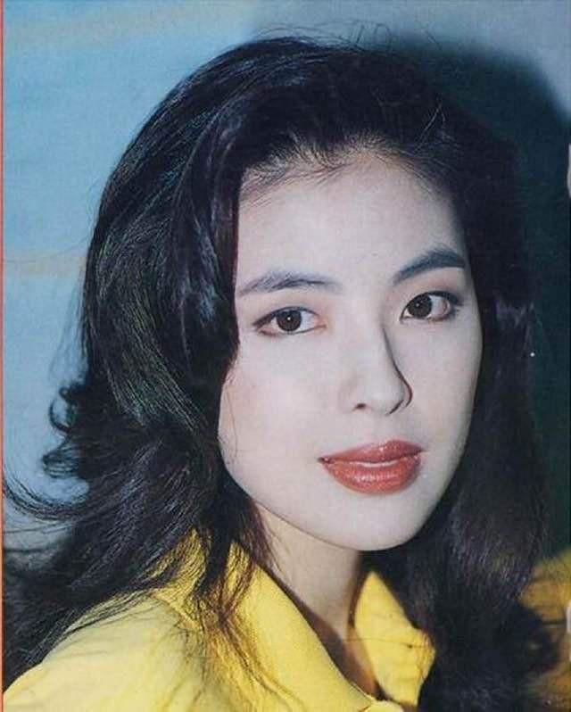 Cuộc hôn nhân tròn đầy hơn 30 năm của Thiên vương Hong Kong Trương Học Hữu: Bà xã đẹp ngang ngửa Trương Mạn Ngọc, hi sinh cả sự nghiệp vì chồng con - Hình 3