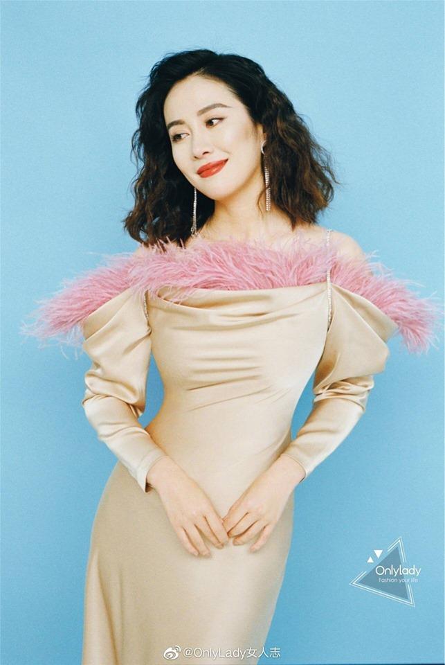Sau nhiều năm mất tích, nữ diễn viên có đời tư ồn ào Diệp Tuyền tái xuất khoe vòng eo con kiến dù U40 - Hình 1