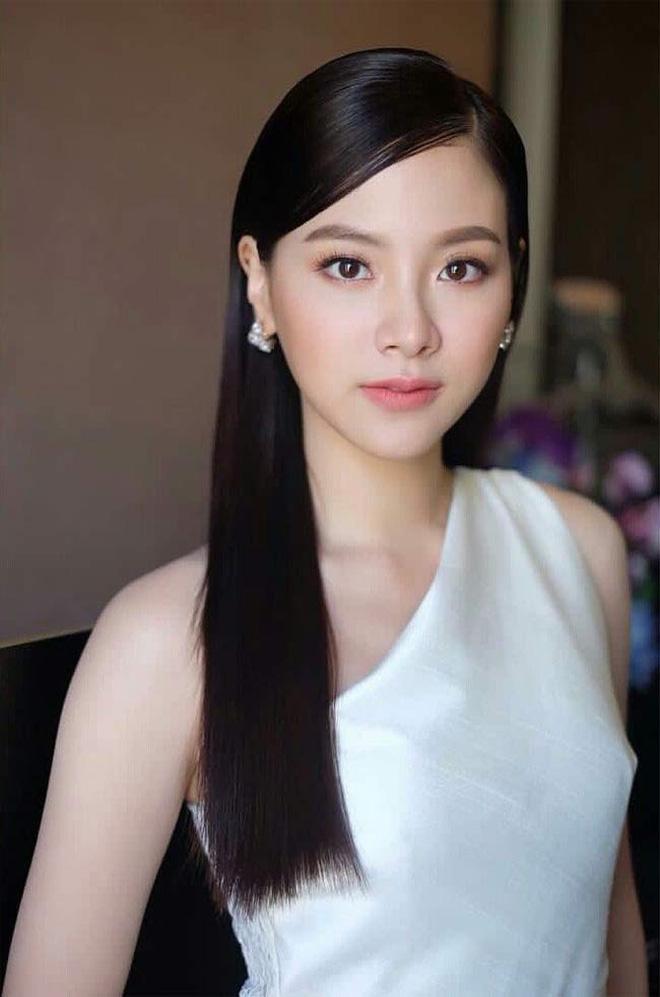 Nữ chính Chiếc Lá Bay Baifern Pimchanok: mỹ nhân cân mọi kiểu tóc, nhìn thế nào cũng thấy xinh bá đạo - Hình 3