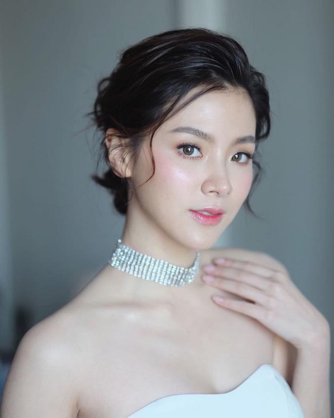 Nữ chính Chiếc Lá Bay Baifern Pimchanok: mỹ nhân cân mọi kiểu tóc, nhìn thế nào cũng thấy xinh bá đạo - Hình 13
