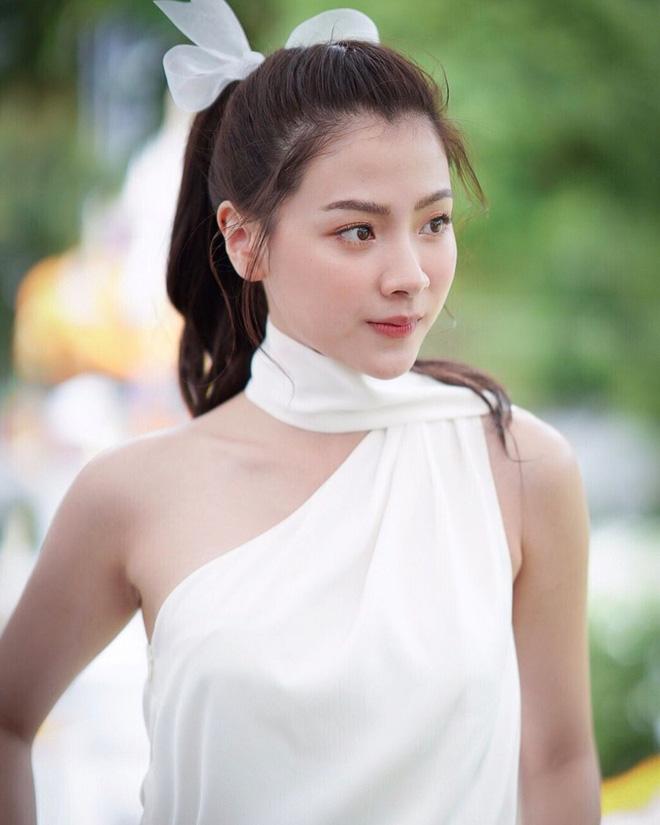 Nữ chính Chiếc Lá Bay Baifern Pimchanok: mỹ nhân cân mọi kiểu tóc, nhìn thế nào cũng thấy xinh bá đạo - Hình 17
