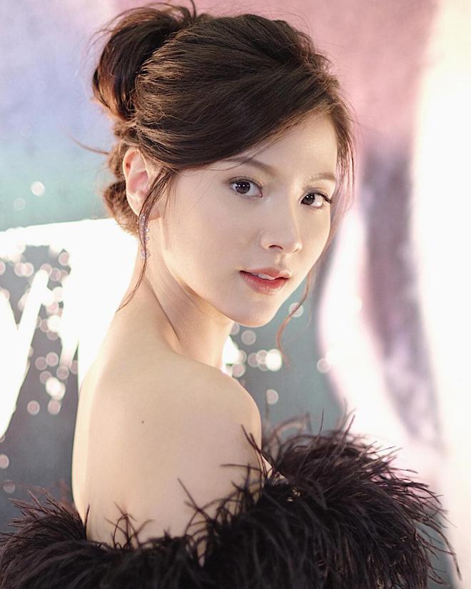 Nữ chính Chiếc Lá Bay Baifern Pimchanok: mỹ nhân cân mọi kiểu tóc, nhìn thế nào cũng thấy xinh bá đạo - Hình 14