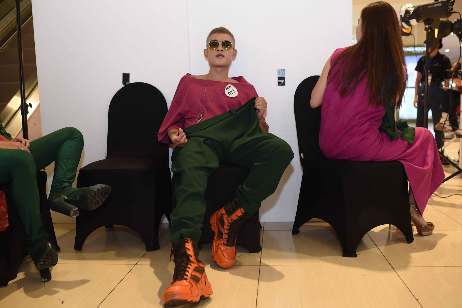 Thí sinh Top Model Online chịu khó 'làm lố' trong thử thách chụp ảnh cho thương hiệu Thời trang lão hóa QGC - Hình 18