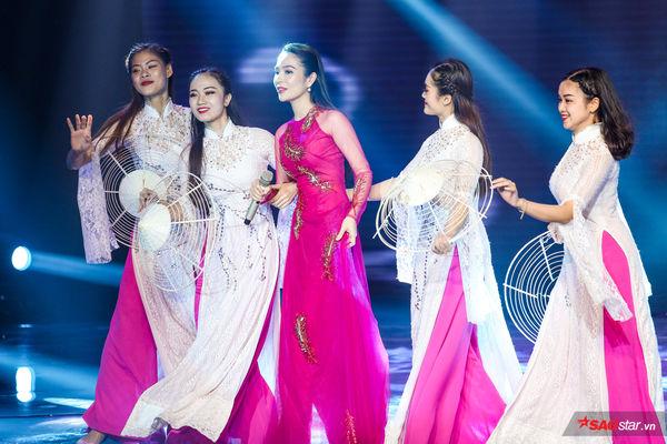 Chung kết Thần tượng Bolero 2019: Minh Dũng - Thái Ngân khiến khán giả vỡ òa cảm xúc với Tình đầu tình cuối - Hình 13