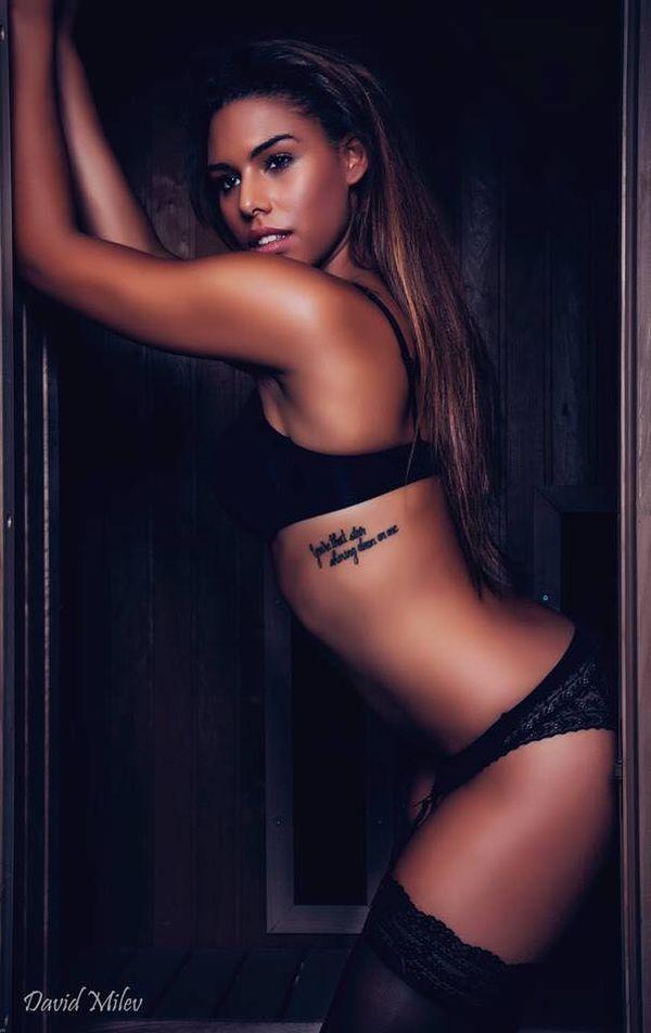 Nhan sắc cựu nữ sinh y khoa bị lộ clip giường chiếu với Lukaku - Hình 8