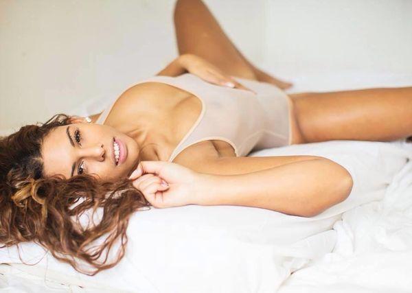 Nhan sắc cựu nữ sinh y khoa bị lộ clip giường chiếu với Lukaku - Hình 5