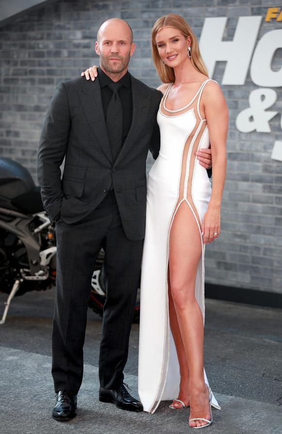 Bạn gái siêu mẫu tới ủng hộ Jason Statham ra mắt phim mới - Hình 2