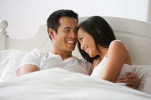Kết đắng cho bà vợ hy vọng chồng yêu phăm phăm như... bổ củi khi uống rượu thuốc - Hình 1