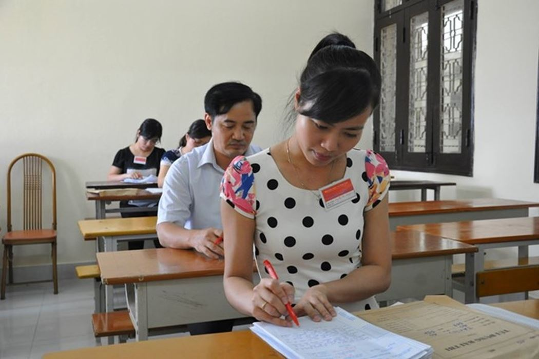 Áp lực rất lớn nên nhiều giáo viên ngại bị điều động đi chấm thi - Hình 1