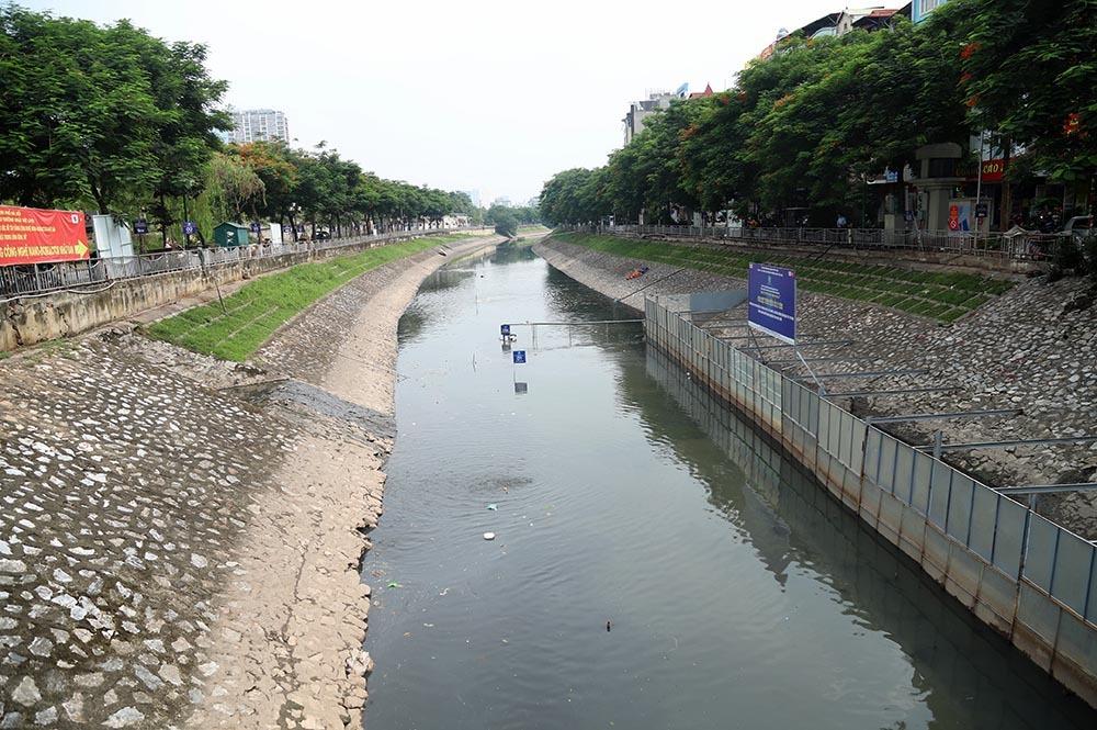 Triệu khối nước cuốn trôi, chuyên gia Nhật chờ sông Tô Lịch đen trở lại - Hình 1