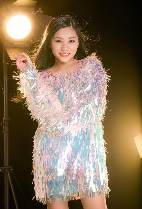 Cô bé khiến Hương Giang tình nguyện tặng vương miện nhưng vẫn chiêu dụ bất thành tại The Voice Kids 2019 là ai? - Hình 4