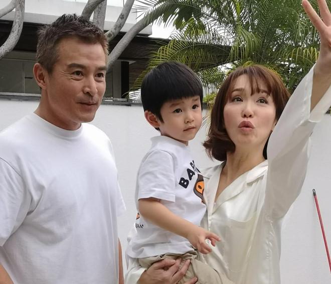 Tiểu Long Nữ Phạm Văn Phương ngọt ngào chúc mừng sinh nhật chồng - Hình 2