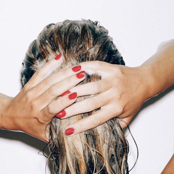 Chăm sóc tóc uốn như thế nào để tóc bóng mượt? - Hình 1