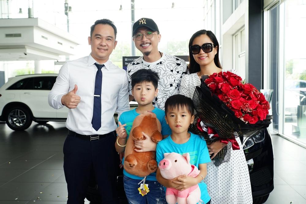 Hứa Minh Đạt tậu xế hộp 2 tỷ tặng cho bà xã Lâm Vỹ Dạ nhân kỷ niệm 9 năm ngày cưới - Hình 8