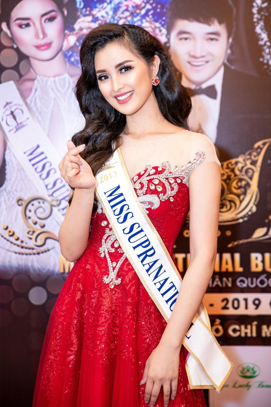 Mỹ nhân Philippines gây ấn tượng khi mặc áo dài, Vivian Trần khoe đường cong khiến nhiều người đau mắt - Hình 10