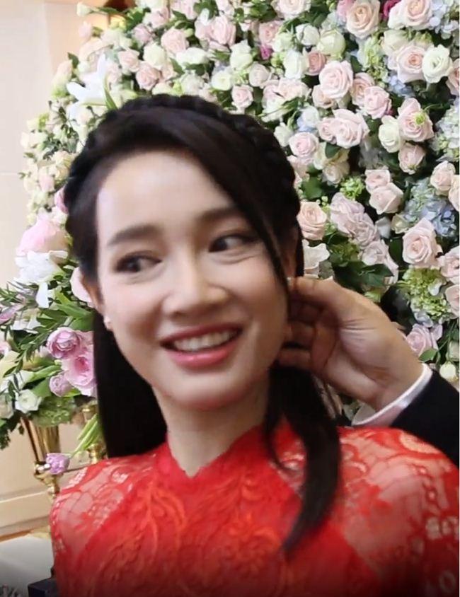 Lộ mặt mộc: Lâm Khánh Chi, Nhã Phương khiến fan giật mình - Hình 14