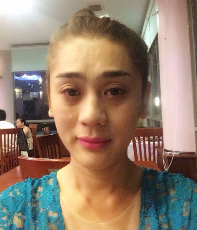 Lộ mặt mộc: Lâm Khánh Chi, Nhã Phương khiến fan giật mình - Hình 1