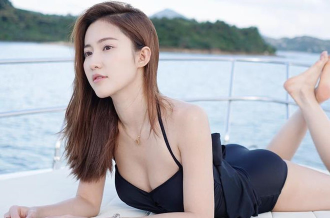 Vẻ đẹp gợi cảm của con dâu tương lai ông trùm giải trí Hong Kong - Hình 7