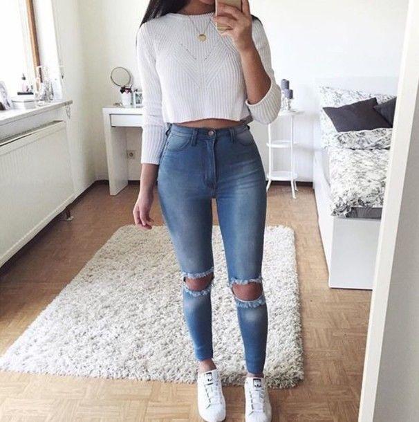Chỉ với áo phông, chiếc quần jeans rách cũng có thể trở thành item thời trang chất lừ - Hình 7