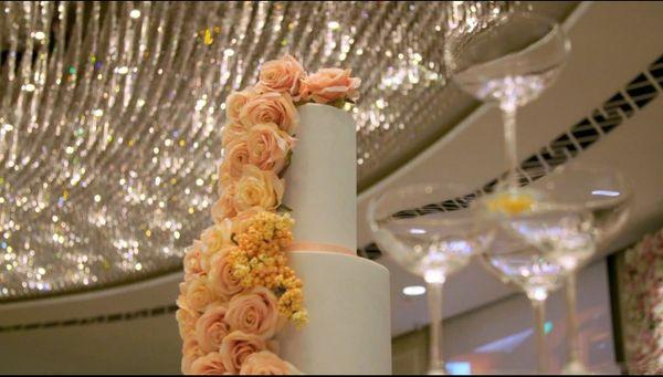 Choáng váng với đám cưới của giới siêu giàu Châu Á: Váy cưới đính 200 viên kim cương, 400 khách tới từ 13 quốc gia - Hình 3