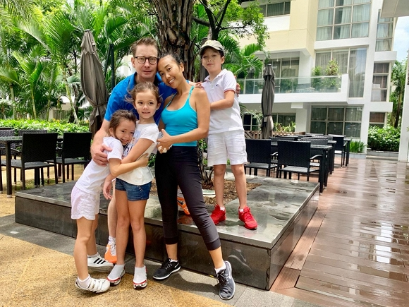 3 nhóc tỳ lai tây của Hồng Nhung và Đoan Trang thân thiết như anh em một nhà - Hình 10