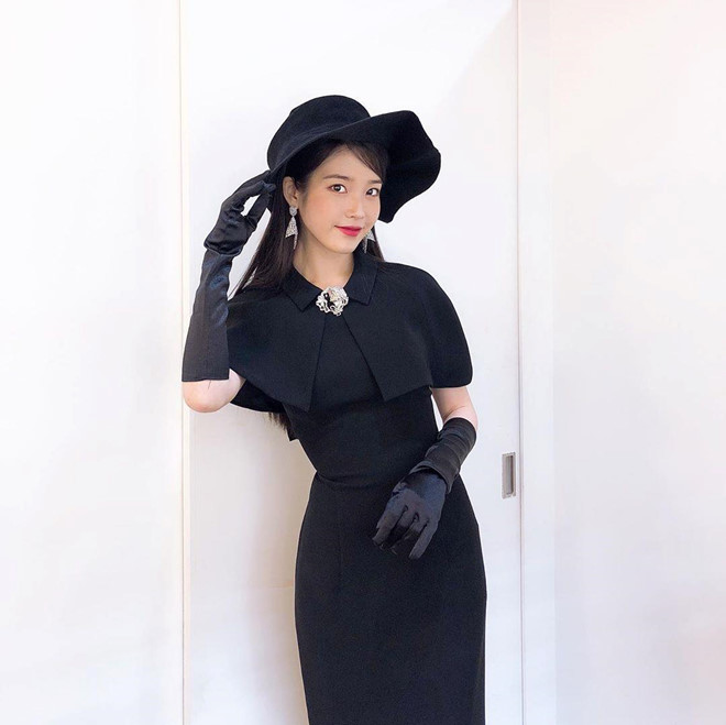 Bà chủ IU diện toàn hàng hiệu sang chảnh trong phim Hotel Del Luna - Hình 8