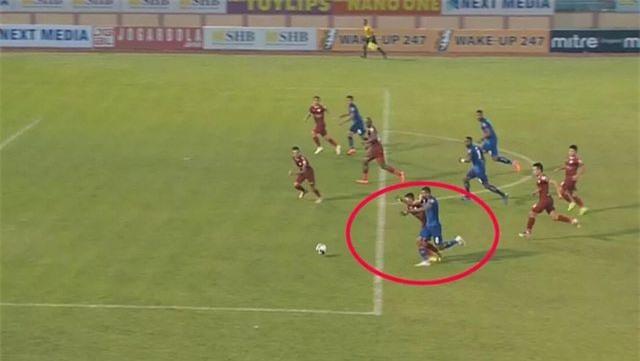 HLV Chung Hae Seong cay đắng trước thực trạng tại V-League - Hình 2