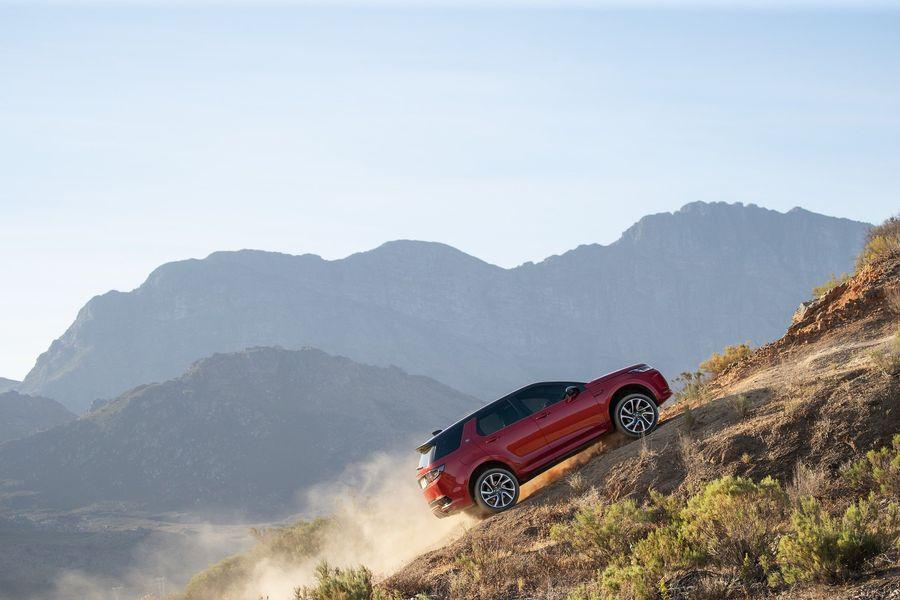 Land Rover Discovery Sport 2020 - Thay đổi không chỉ dừng ở thẩm mỹ bên ngoài - Hình 12