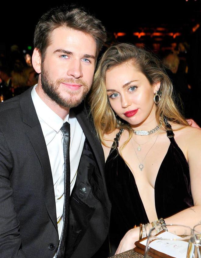 Miley Cyrus chia tay Liam Hemsworth sau gần một năm kết hôn - Hình 1