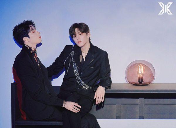 X1: Giật mình trước poster đam mỹ của Han Seung Woo - Cho Seung Yeon và Kim Woo Seok - Hình 7