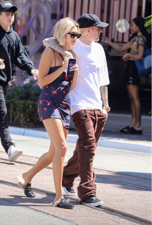 Giữa bão chia tay của Miley, Justin Bieber góp chuyện bằng ảnh nổ mắt cùng vợ kèm theo chú thích ẩn ý - Hình 4