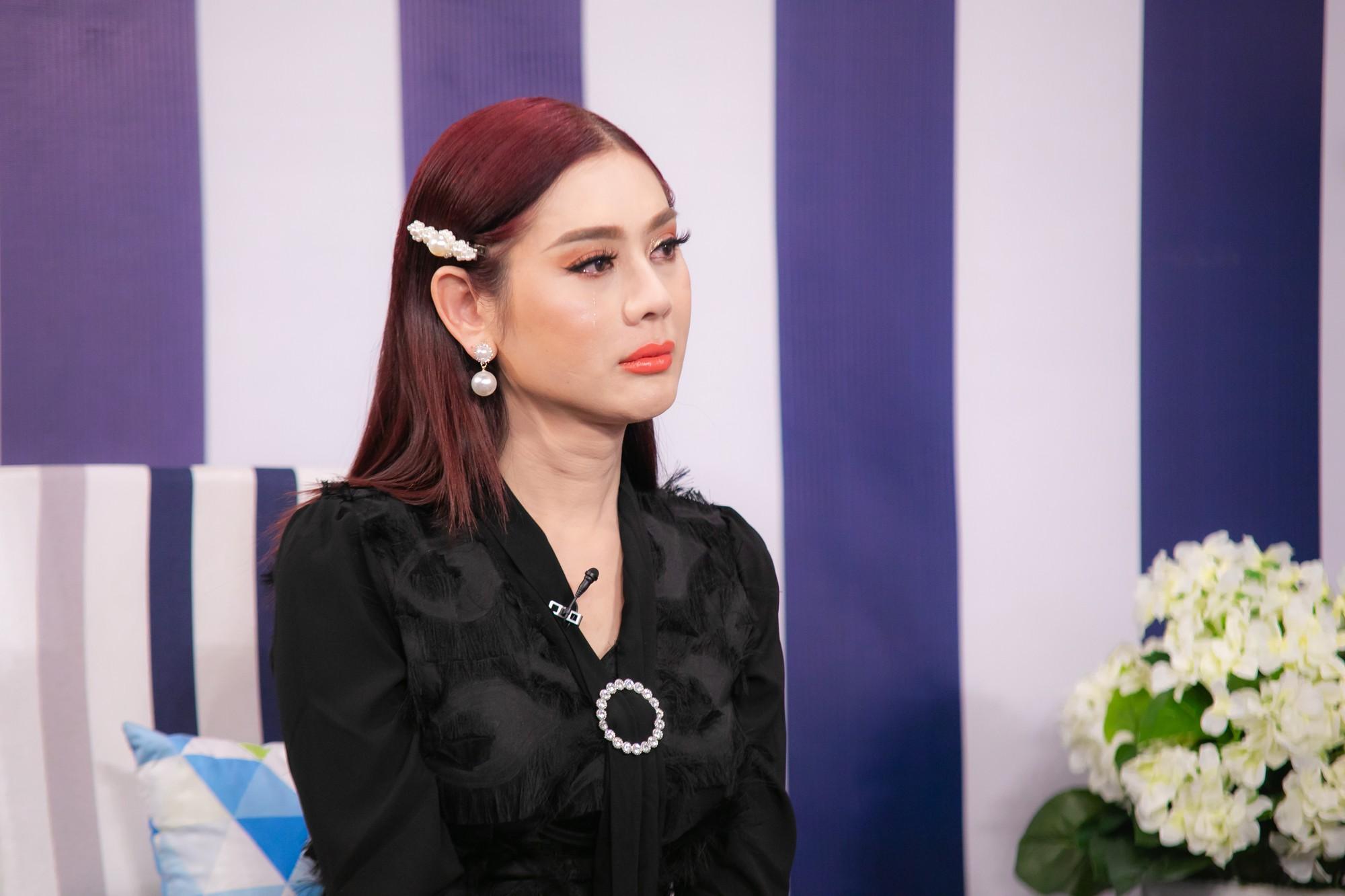 Lâm Khánh Chi xúc động kể chuyện bỏ tiền túi, tổ chức đám cưới tập thể cho 10 cặp đôi LGBT - Hình 6