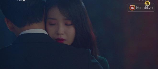 Sau trận ghen lồng lộn vì crush suýt bị gả vào nhà tài phiệt, CEO IU và Yeo Jin Goo chính thức kết đôi trong tập 10 Hotel Del Luna - Hình 3