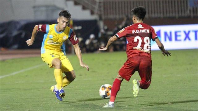 V-League 2019: TPHCM đầu hàng trong cuộc đua vô địch? - Hình 2