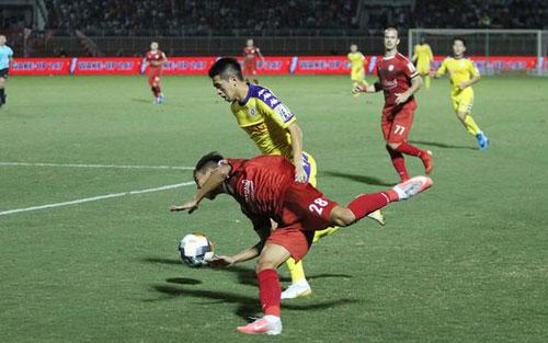 V-League 2019: TPHCM đầu hàng trong cuộc đua vô địch? - Hình 1