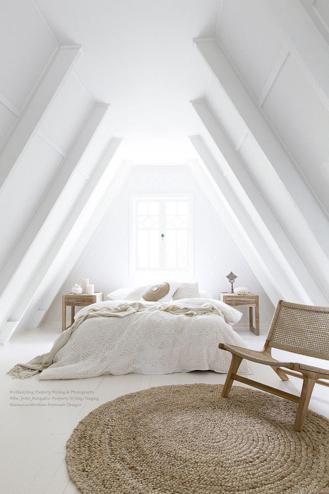 2 cách thiết kế thông minh và hữu ích cho không gian phòng ngủ gác mái - Hình 7