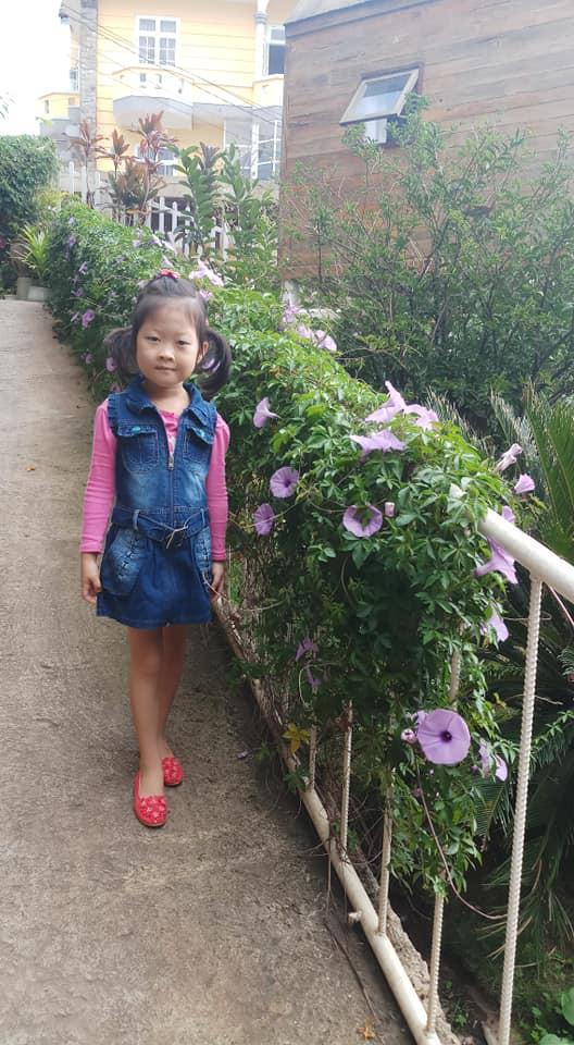 Bé 5 tuổi 3 lần vô địch Nhanh như chớp nhí: Chị Ba bất biến là ai mà khiến hàng loạt sao Việt phát cuồng? - Hình 13