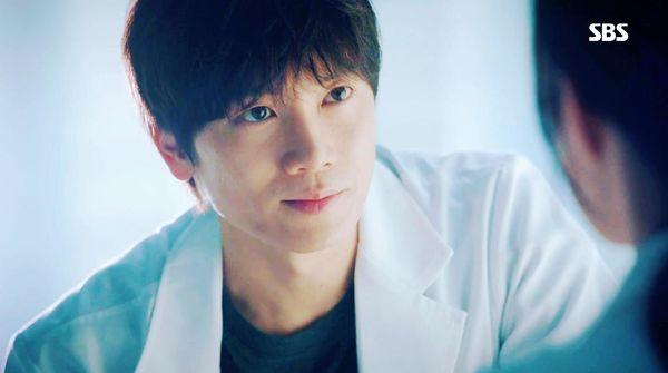 BXH diễn viên - phim Hàn được quan tâm nhất: IU tiếp tục dẫn đầu, Hotel Del Luna đứng nhất 5 tuần liên tiếp không có đối thủ - Hình 3