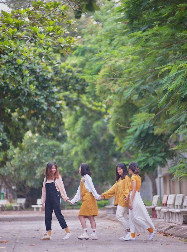 Chào đón tân sinh viên nhập học, các đàn chị ĐH Ngân Hàng dành trọn tâm huyết giới thiệu những góc sống ảo xịn sò khiến nhiều người mê mẩn - Hình 7