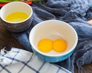 Chỉ 1 quả trứng và 1 củ khoai tây là có ngay bữa sáng cực ngon cho bé yêu - Hình 3