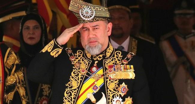Chưa đầy 3 tháng ly dị, cựu vương Malaysia chuẩn bị tái hôn trong khi vợ cũ chật vật nuôi con, cầu cứu cộng đồng mạng - Hình 2