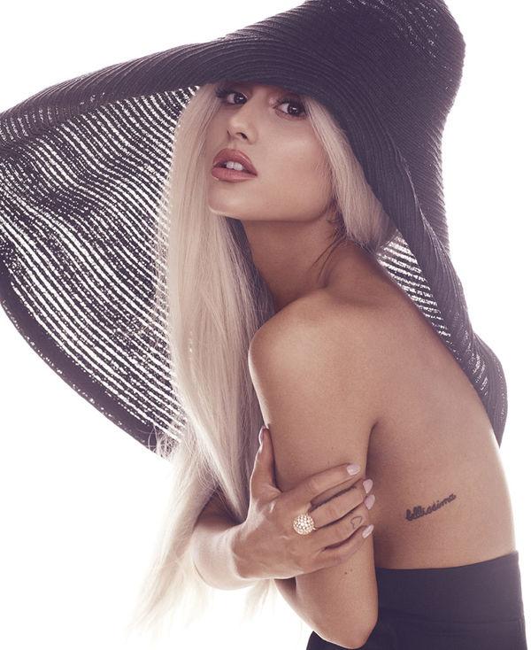Có một nữ nghệ sĩ muốn rủ rê hợp tác Ariana Grande để lật đổ vị trí No.1 của Old Town Road - Hình 1