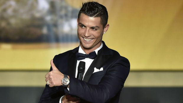 Cười sái hàm với bức ảnh thời trẻ trâu của Ronaldo: Hóa ra, idol của chúng ta đã có bước dậy thì cực kỳ thành công - Hình 6