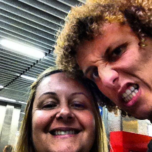 David Luiz và câu chuyện bị mẹ suýt đánh vỡ alo bạn gái - Hình 2