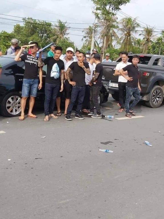 Giang hồ vây xe công an ở Đồng Nai : Khởi tố, bắt tạm giam 4 bị can - Hình 2