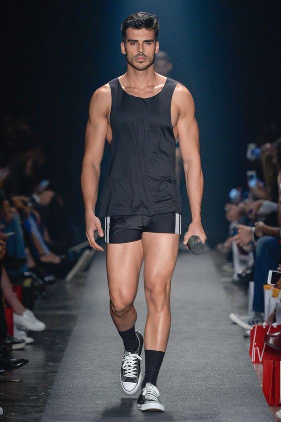 Gợi ý cách mix-and-match quần áo nghỉ mát sành điệu cho nam giới - Hình 6